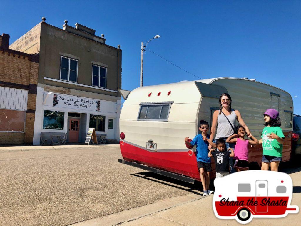 Badlands-Barista-in-Beach-North-Dakota