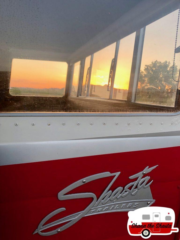 Badlands-Sunset-Through-Shana