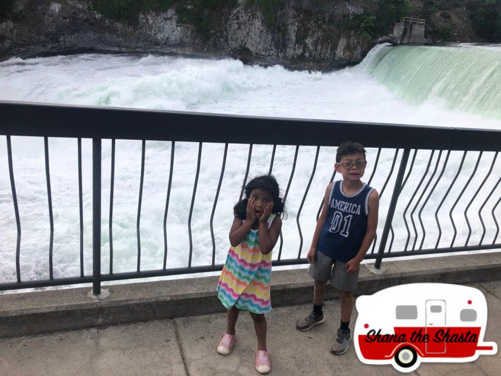 Downtown-Spokane-Huge-Waterfall