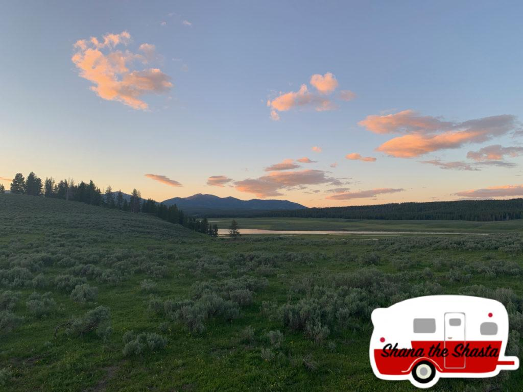 Hayden-Valley-Sunset-in-Yellowstone