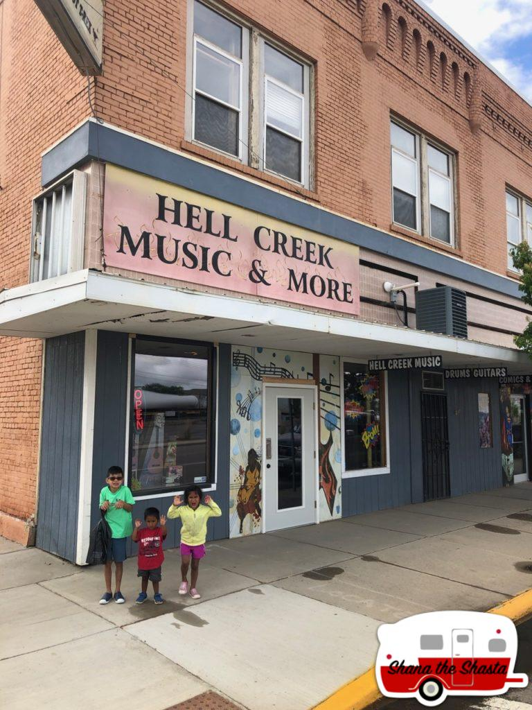 Hell-Creek-Music-and-More