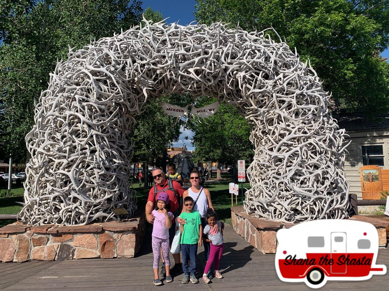 Jackson-Wyoming-Square-Antler-Arch