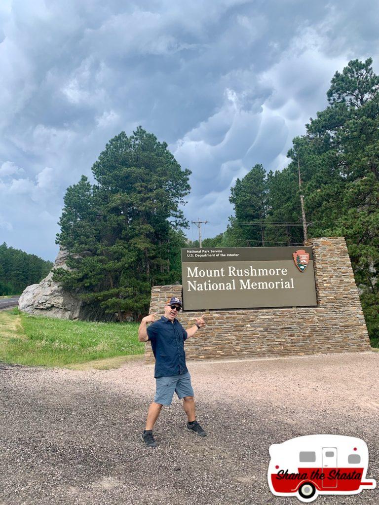 Mount-Rushmore-National-Memorial-Sign