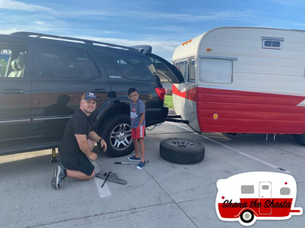 Road-Trip-Flat-Tire-in-Wyoming
