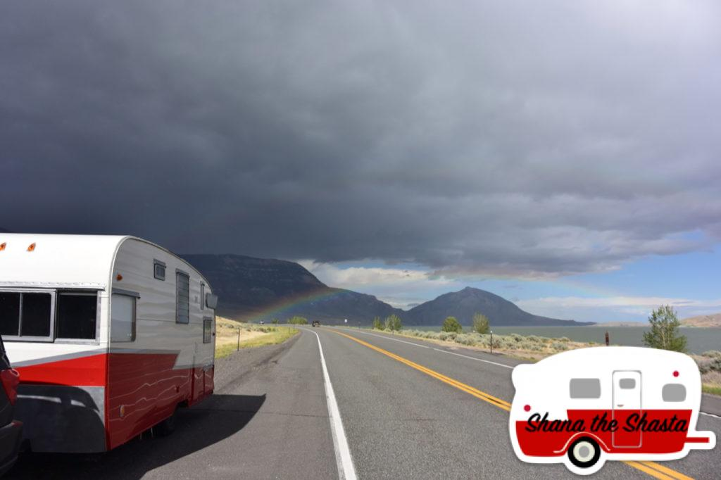 Vintage-Camper-Rainbow-at-Buffalo-Bill-Reservoir