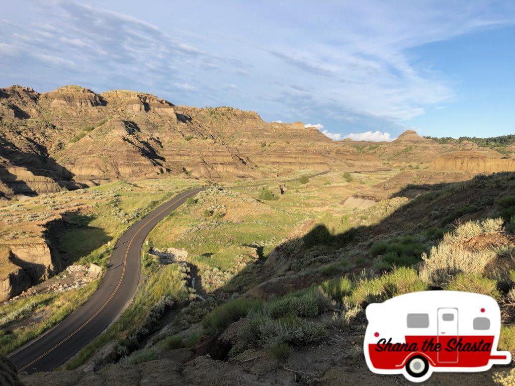 Winding-Roads-through-Makoshika-Canyon