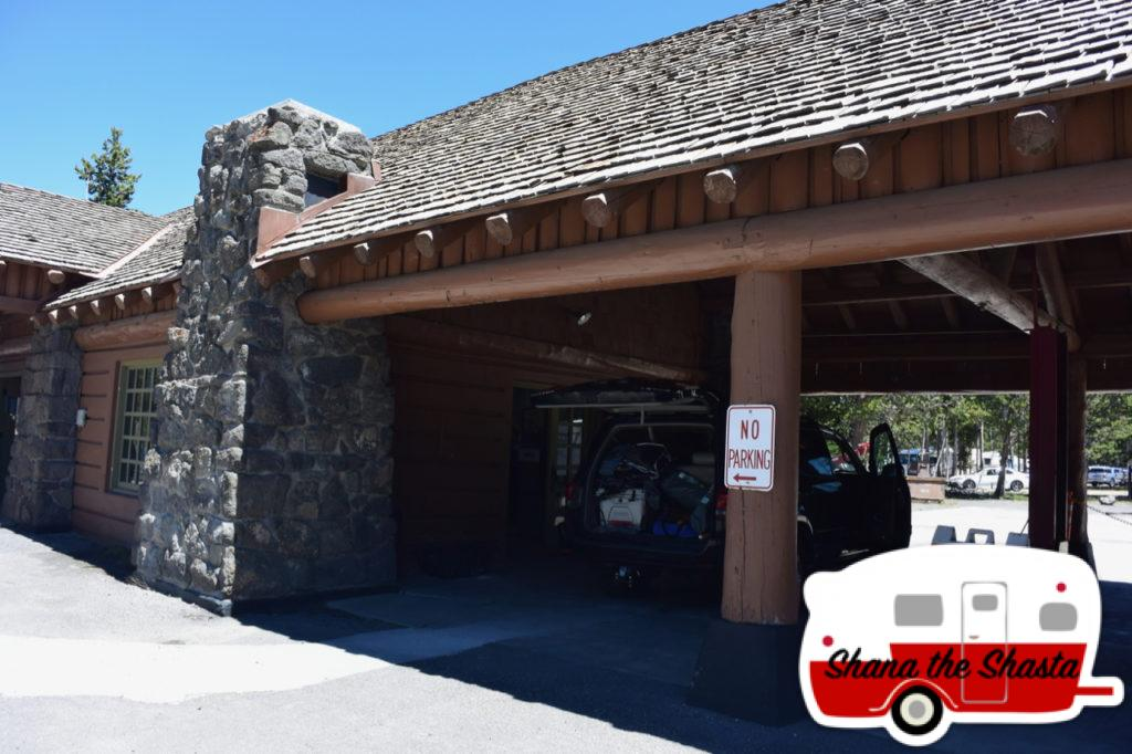 Yellowstone-Old-Faithful-Service-Station